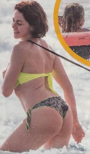 Claudia Gerini  in Bikini - Luglio 2014 (da Novella)_FV_01