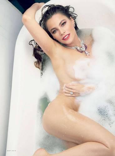 Sofia Vergara Completamente Nuda | Vanity Fair Magazine Photoshoot (Maggio 2015)