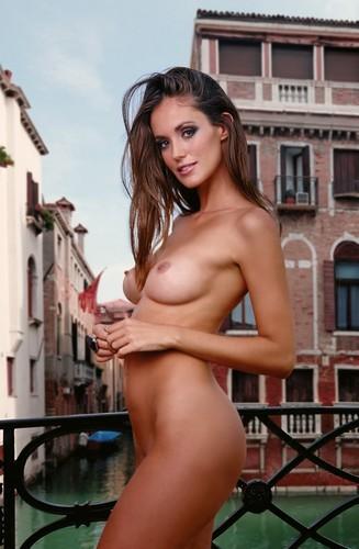 Gracia De Torres Nuda e in Topless - Calendario Vuemme 2016