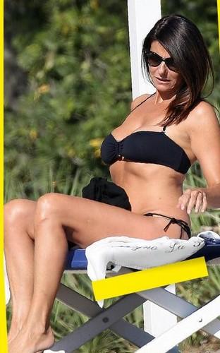 Ilaria D'Amico in Bikini a Marina di Massa Paparazzata da Oggi - Agosto 2016