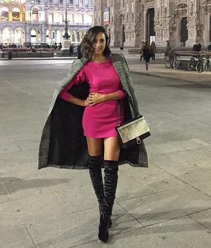 Caterina Balivo in Minigonna e Stivaloni a Milano - 18/10/2016