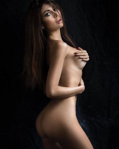 Alessandra Sorcinelli Completamente Nuda : Servizio Fotografico Sconosciuto