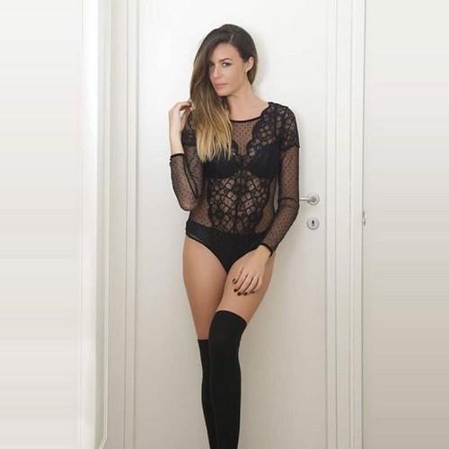 Alessia Fabiani in Sexy Lingerie da un Servizio Fotografico