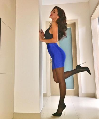 Anna Tatangelo : Sexy in Mini Abito, 10 gennaio 2017