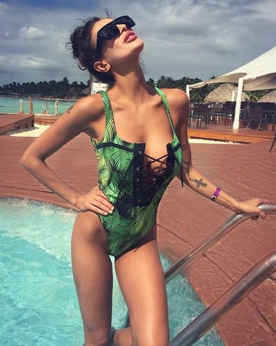 Cristina Buccino in Swimsuit dalla Repubblica Dominicana, 11 gennaio 2017
