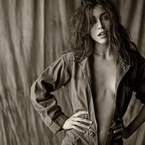 Ludovica Frasca : Sexy Photoshoot by Settimio Benedusi