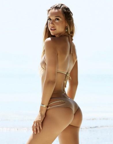 Alexis Ren in bikini per  Beach Bunny Swimwear 2017