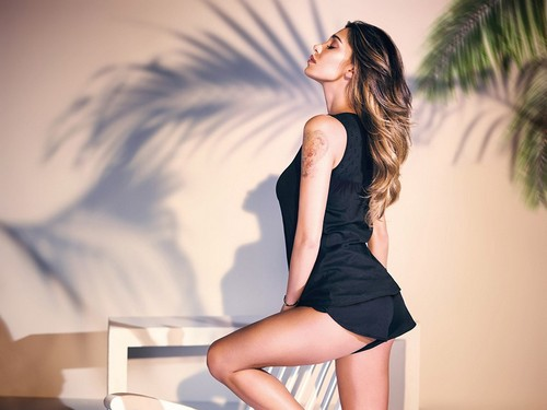 Belen Rodriguez : Sexy testimonial Jadea Home - Primavera 2017