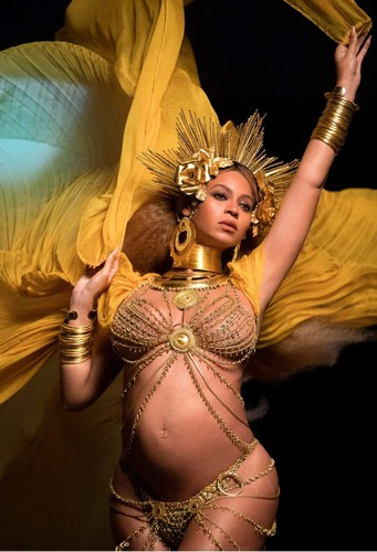 Beyonce : Semi Nuda ai GRAMMY Awards