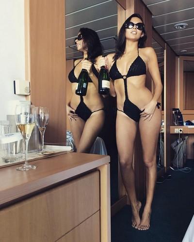 Francesca Lukasik : Mozzafiato in Sexy Trikini - 02 febbraio 2017