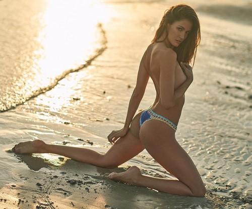 Gracia de Torres in Bikini : Servizio Fotografico a Miami - Update