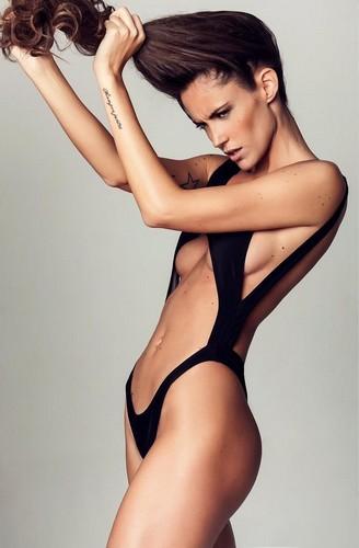 Gracia de Torres : Strepitosa in un servizio fotografico in lingerie