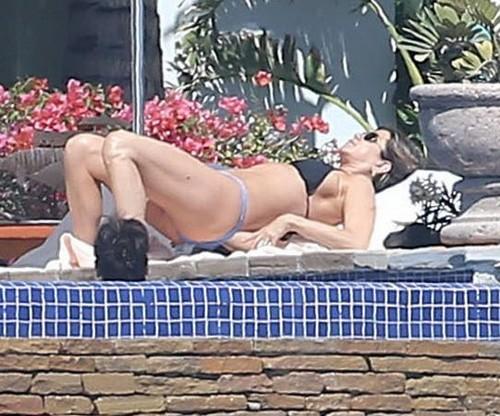 Jennifer Aniston in bikini : Paparazzata in Messico