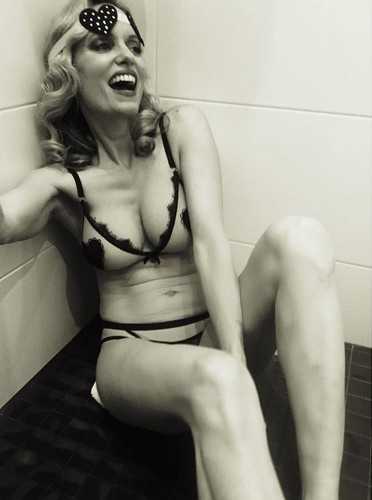 Justine Mattera : Servizio fotografico in sexy lingerie