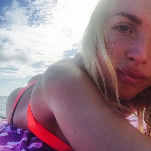 Laura Forgia in bikini a Miami - 09 febbraio 2017