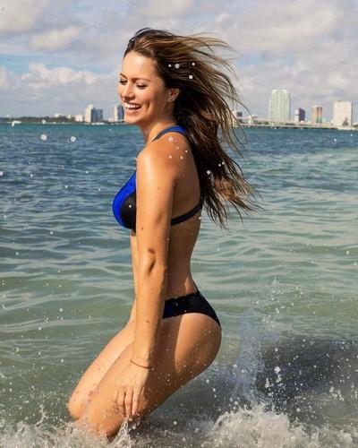 Lola Ponce in bikini a Miami