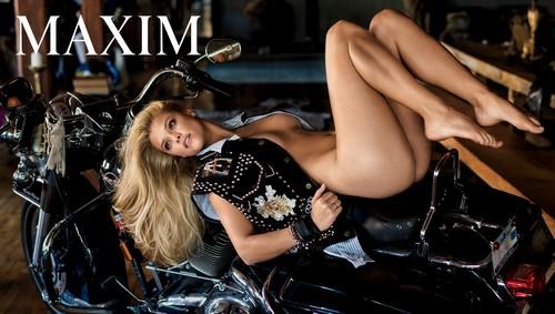 Nina Agdal nuda su Maxim - Marzo 2017