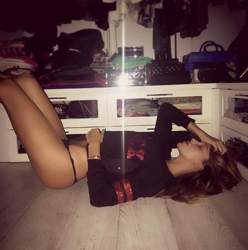Belen Rodriguez in Mutande : Sexy Scatti da Instagram