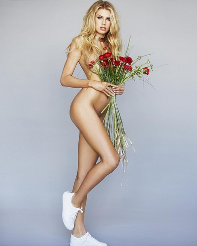 Charlotte McKinney in Topless e Nuda : Jiro Schneider Photoshoot 2017