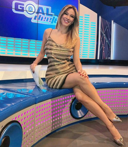 Diletta Leotta : In Mini Abito a Goal Deejay