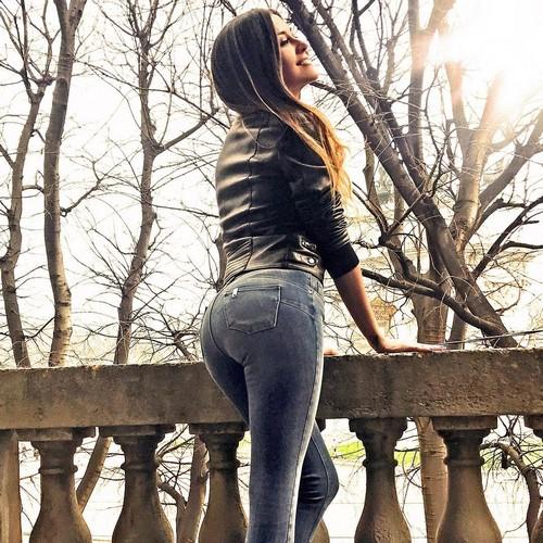 Giorgia Palmas : Lato B da Urlo in Jeans, 24 marzo 2017