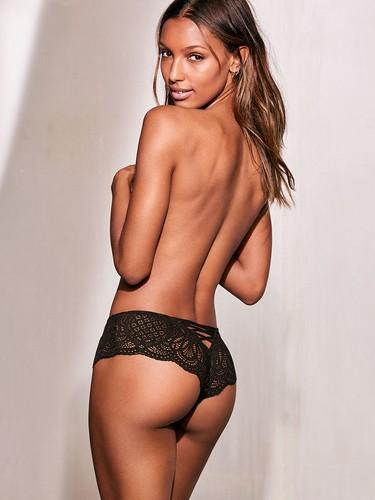 Jasmine Tookes : Lato B da Capogiro in lingerie, Victoria's Secret Photoshoot - Marzo 2017
