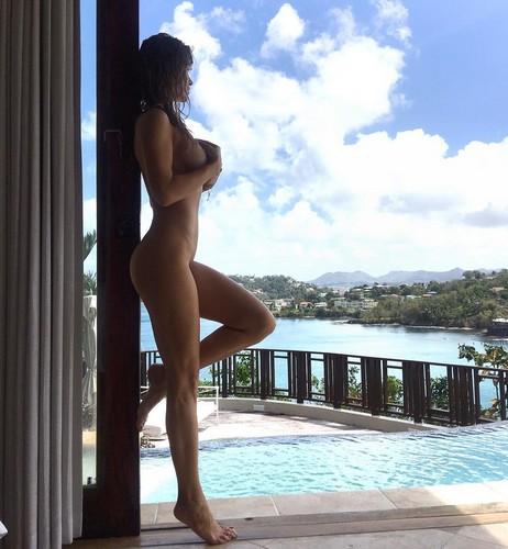 Joanna Krupa Nuda in Jamaica