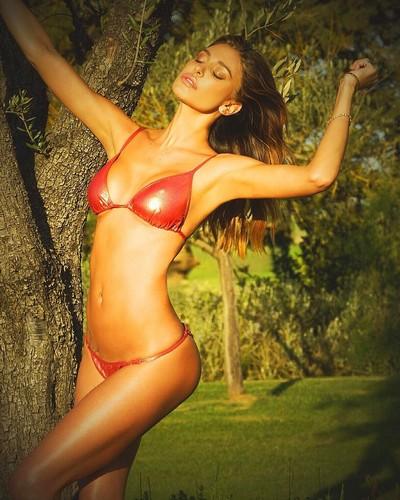 Belen Rodriguez : Nuovi Scatti Hot in Bikini