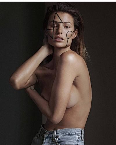 Dayane Mello in Topless per un Servizio Fotografico