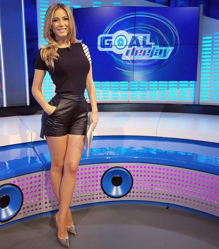 Diletta Leotta : Che Gambe in Micro Shorts a Goal Deejay