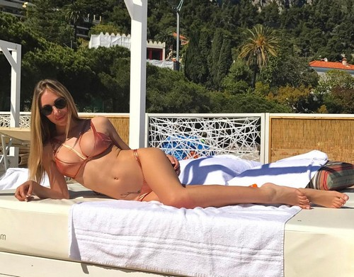 Laura Cremaschi in Bikini a Monte Carlo - 29 aprile 2017