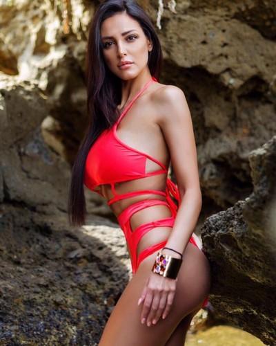 Maria Teresa Buccino in Bikini per Yānsē 2017