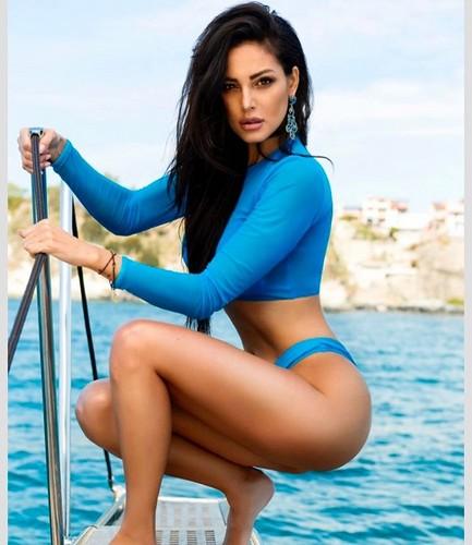 Maria Teresa Buccino in Bikini per Yānsē 2017 - NEW