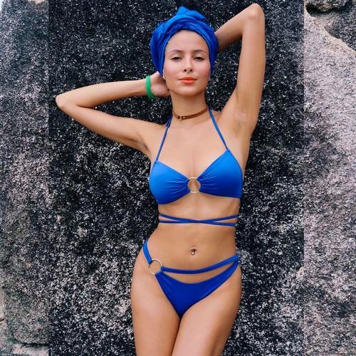Mariana Rodriguez in Bikini Azzurro in Thailandia
