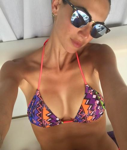 Melissa Satta : Seno in Primo Piano in Bikini a Las Palmas