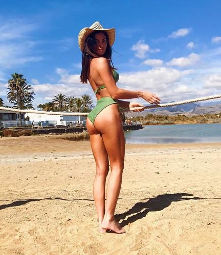 Nicole Mazzocato : Lato B Pazzesco in Bikini