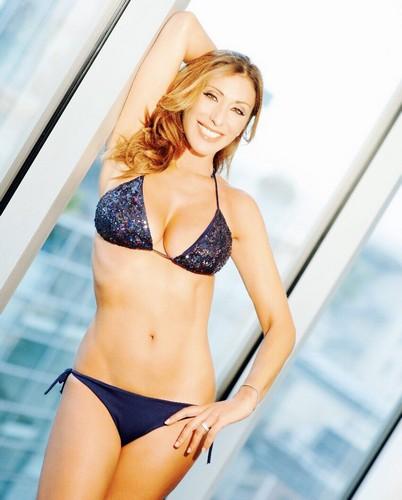Sabrina Salerno in Bikini : Nuovo Scatto da un Servizio Fotografico