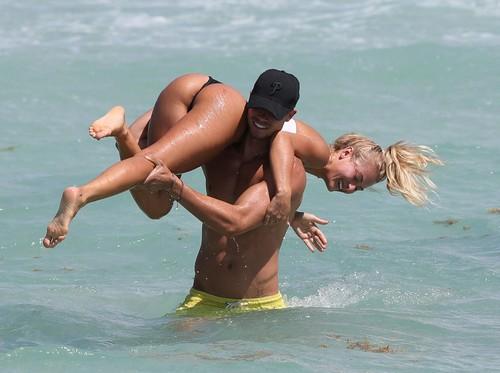 Selena Weber : Lato B da Favola in Bikini a Miami
