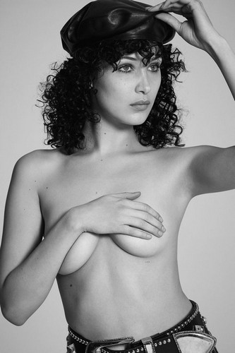 Bella Hadid : Nuda e in Topless per 032c Magazine - Estate 2017