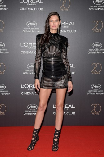 Bianca Balti : Trasparenze e Gambe da Urlo al Gala L'Oreal a Cannes - 24 maggio