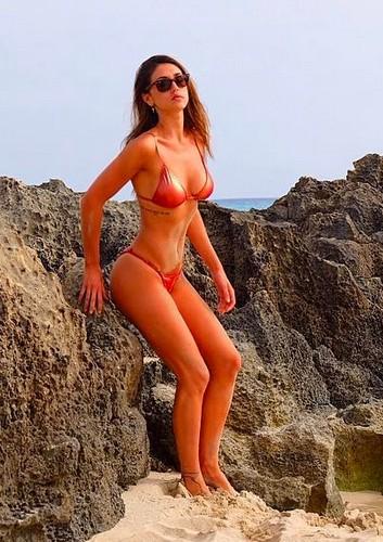 Cecilia Rodriguez in Bikini a Formentera - 06 maggio 2017