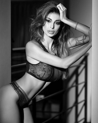 Cristina Buccino in Lingerie per Emy Intimo 2017 - Nuova Sexy Anteprima
