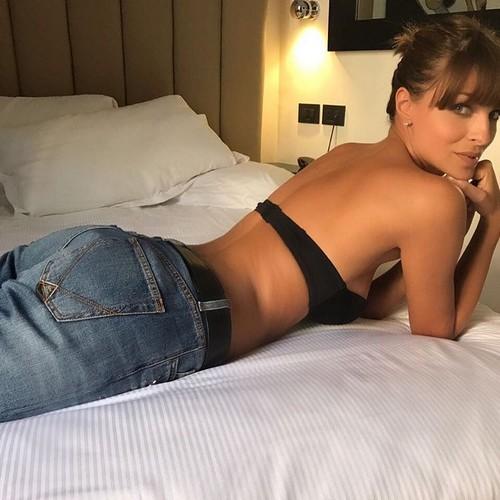 Cristina Chiabotto : Sexy e Provocante in Reggiseno - 24 maggio