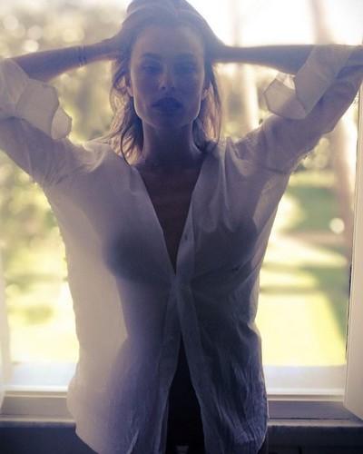 Dayane Mello in un Sexy Servizio Fotografico - 30 aprile 2017
