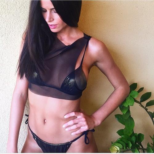 Eleonora Cortini in Sexy Lingerie : Servizio Fotografico Sconosciuto