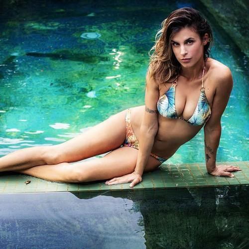 Elisabetta Canalis in Bikini - Servizio Fotografico per Mobo Swim