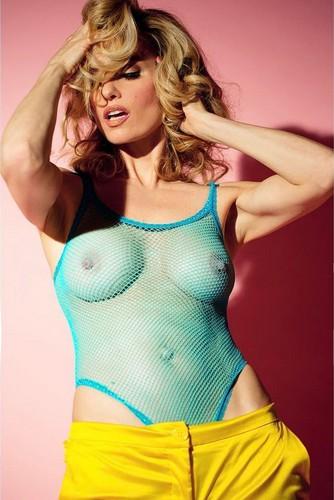 Justine Mattera : Topless Mozzafiato da Servizio Fotografico Sconosciuto