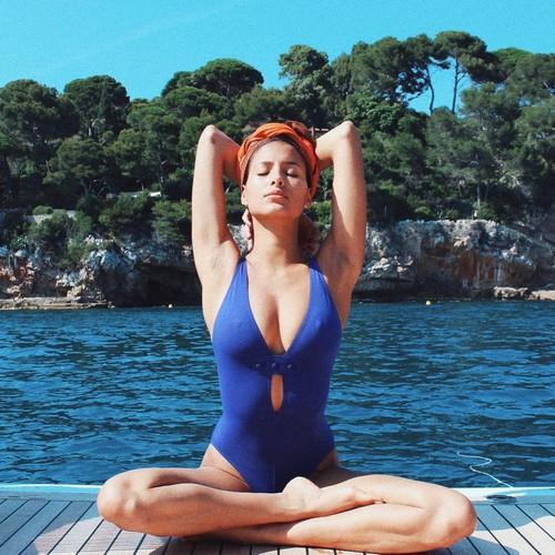 Mariana Rodriguez in Bikini in Thailandia - 31 maggio