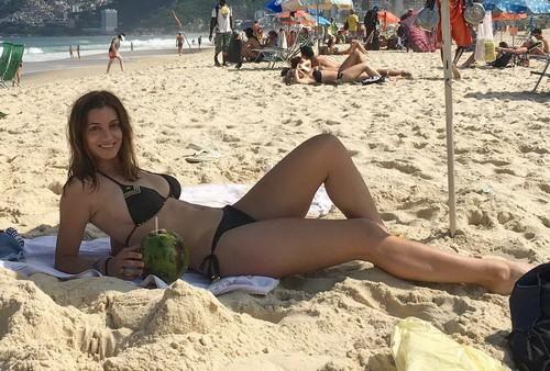 Rossella Fiamingo in Bikini a Ipanema - 09 maggio 2017