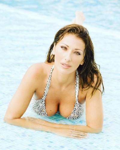 Sabrina Salerno : Seno Esplosivo in Bikini a Montecarlo - 12 maggio 2017